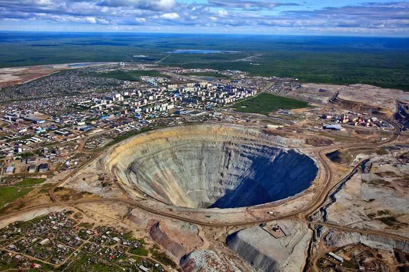 Алмазный карьер Мир в Якутии: описание, фото
