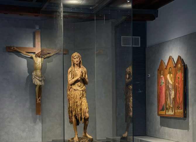 Одна из самых знаменитых скульптур – Мария Магдалина