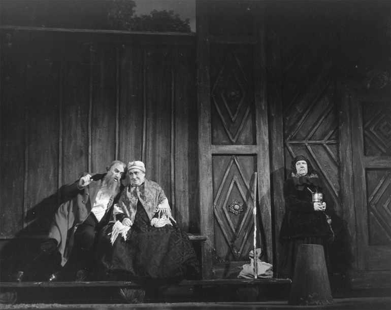 Жители города калинов в пьесе Островского