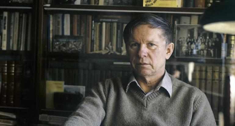 Василь Быков — белорусский писатель