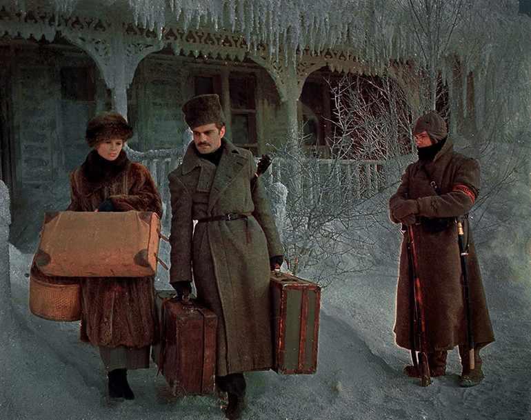 Семья Живаго переезжают