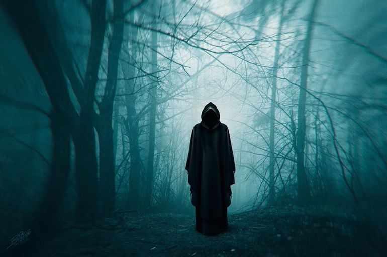 Монах выступает в роли доппельгангера