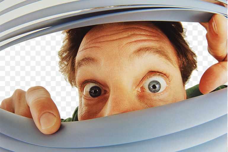 У человека округляются глаза во время испуга