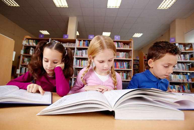 Ученики читают сказку «Баранкин, будь человеком!»
