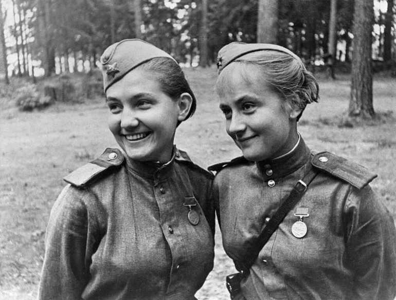 Алексиевич у войны не женское лицо