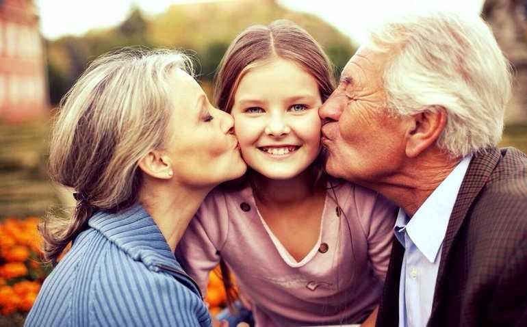Дедушки и бабушки всегда с нетерпением ждут своих внуков