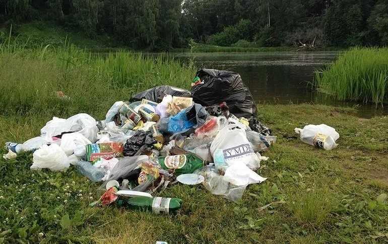 Человек, оставивший после себя груды мусора