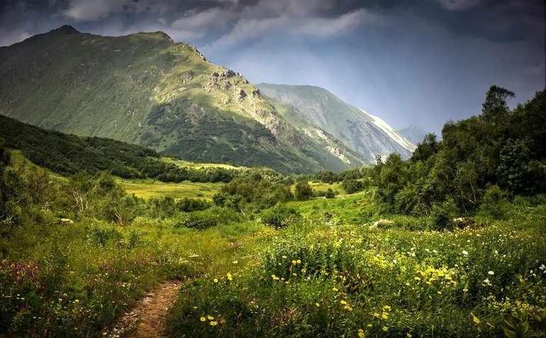Удивительно красивая Кавказская природа