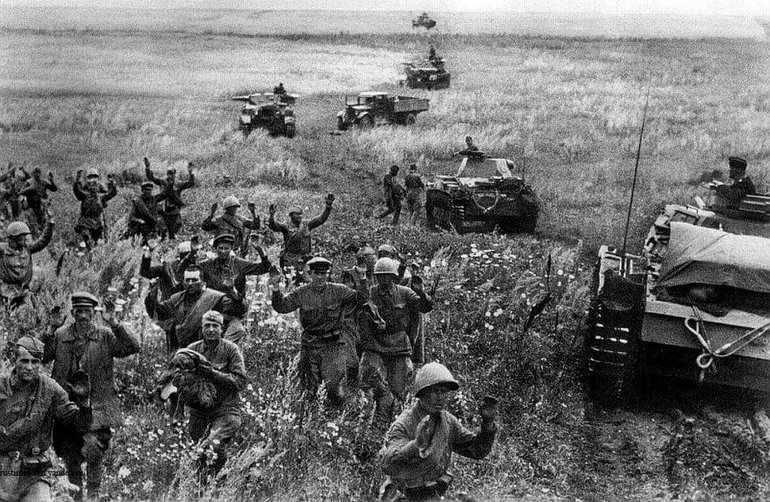 Поражение советской армии на начальном этапе войны